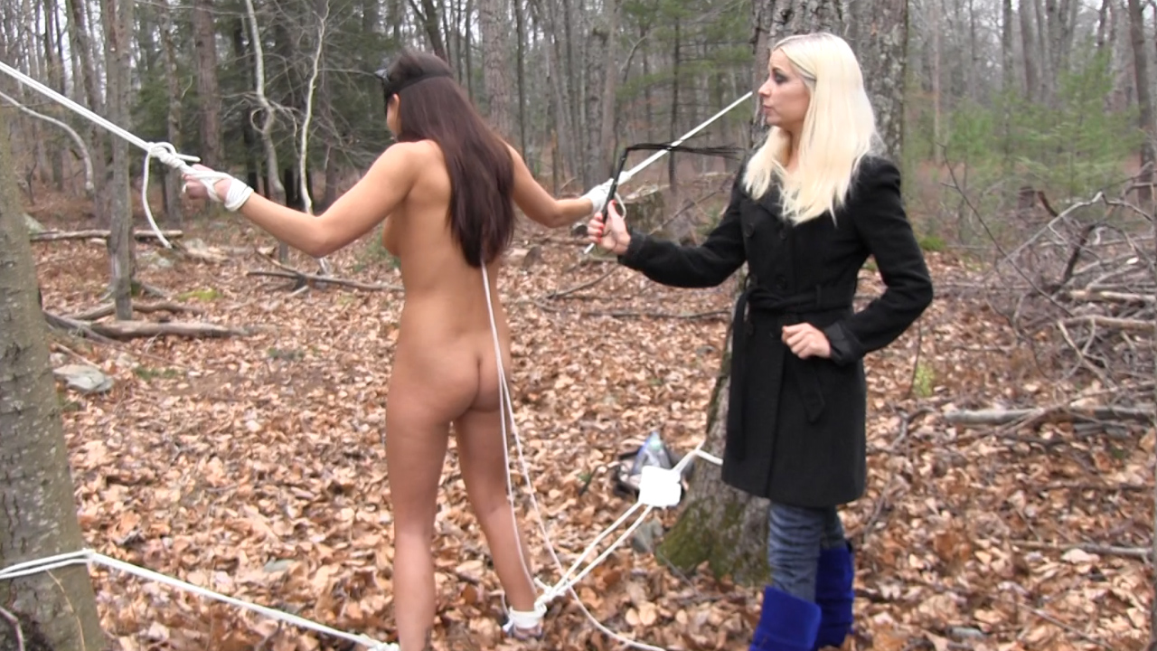 Cuntbusting between two naked women wf 1