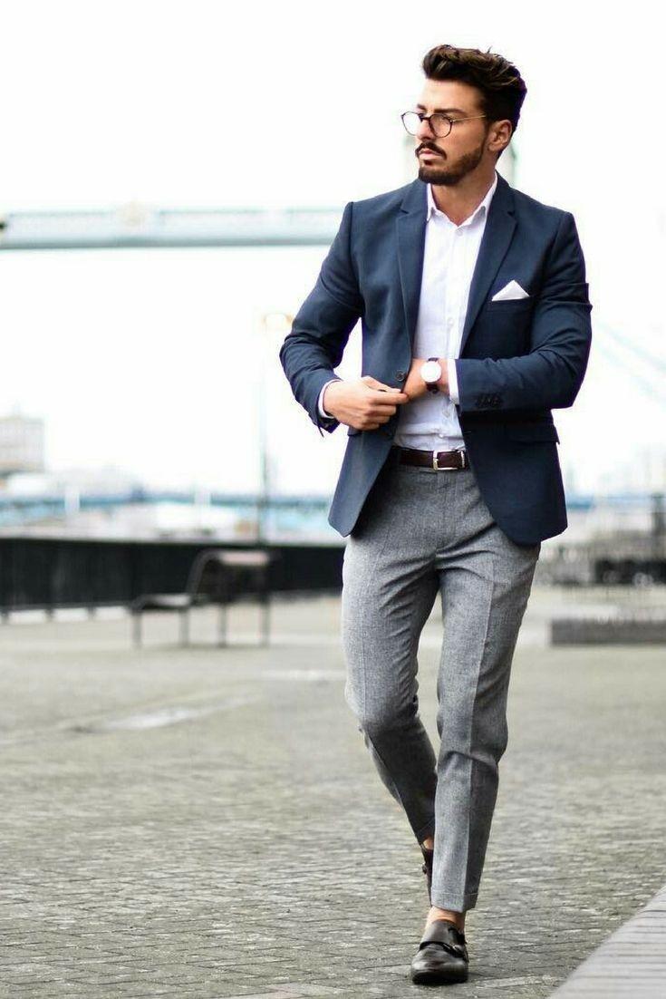 Quizás pueda ser porque parece que la moda masculina nunca cambia, aunque lo cierto es que la ropa de moda para hombre es más versátil y cambiante de lo que parece. Y es que, aunque parece que los hombres sólo utilizan pantalones, jeans, camisas, playeras, tenis y zapatos, cada prenda tiene su propia uso y tendencia.5/5(13).