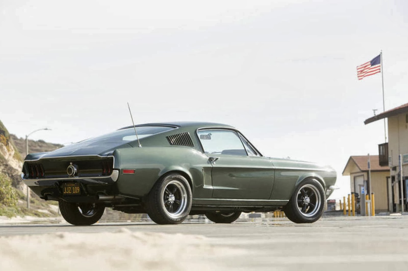 fab wheels digest f w d 2011 limited edition 39 68 steve mcqueen signature mustang. Black Bedroom Furniture Sets. Home Design Ideas