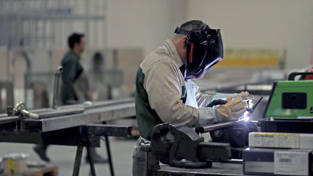 La producción industrial en Argentina cae 13,4 % en marzo