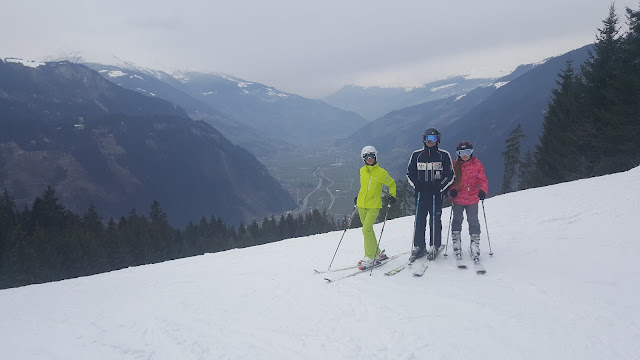 Инструктор по горным лыжам Школа Ишгль Китцбюэль