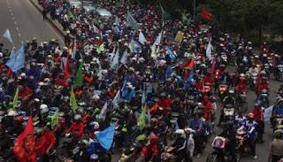 Jutaan Buruh Mogok Kerja