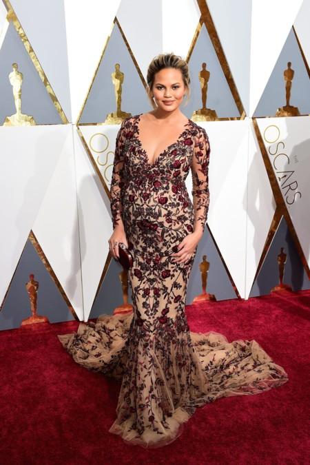 Oscar 2016 Chissy Teigen vestida de Marchesa
