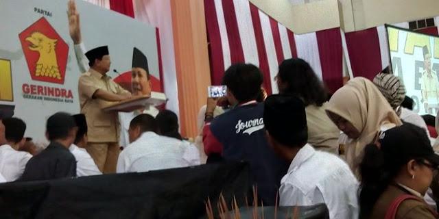 Gaya Prabowo Minta Maaf Lantaran Merasa Salah Pernah Tunjuk Ahok Maju di Pilgub DKI Dampingi Jokowi, Alasannya...