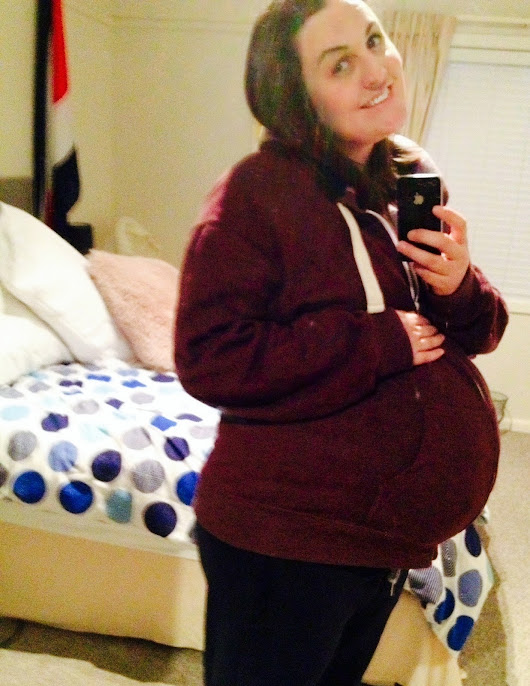 Still here {& 37 weeks pregnant}