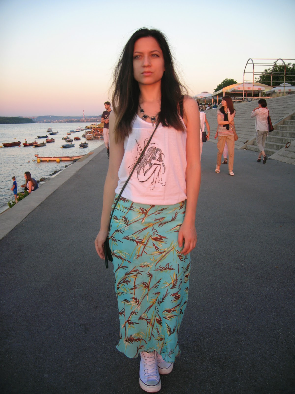 white tank top, mint green printed maxi skirt, deichmann white sneakers, green over the shoulder bag, lazy spring sunday outfit, statement necklace, sunset photos, casual outfit