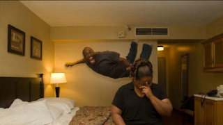 funny pictures: Negro bed dip