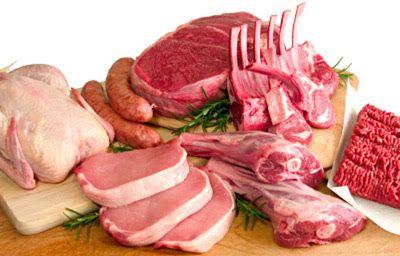 Carnes rojas y blancas. Pollo, costillas, chorizos, pulpón