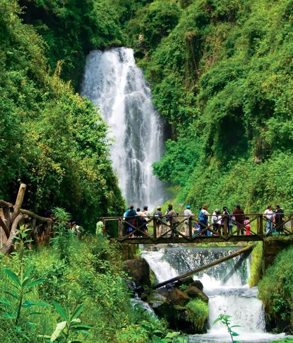 Turismo en Ecuador Cascadas de Peguche