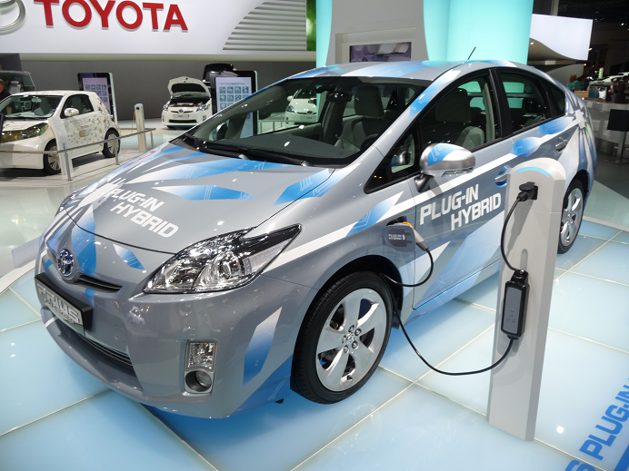 toyota prius plug in hybrid its my car club. Black Bedroom Furniture Sets. Home Design Ideas