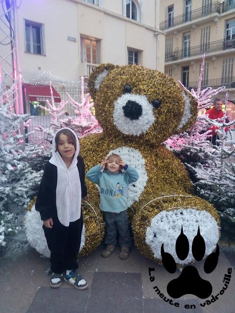 moyen-petit-loup-marche-noel-saint-raphael-ours