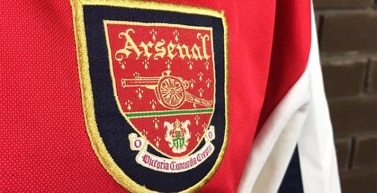 Closer Look  Arsenal 2000-01 Home Shirt by Nike - Sports kicks 64fe159ab