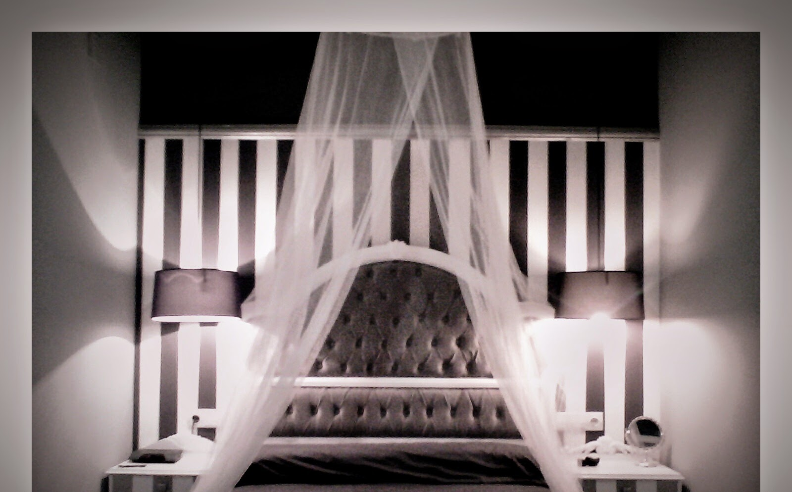 Revelo ideas low cost como renovar cabecero de cama con - Telas para forrar cabecero cama ...