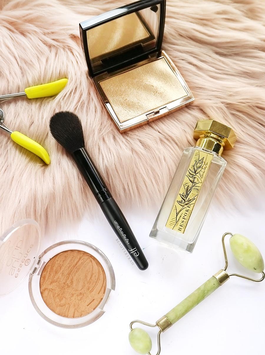 Elf highlighting brush and Bespoke Parfum Uluwatu Review