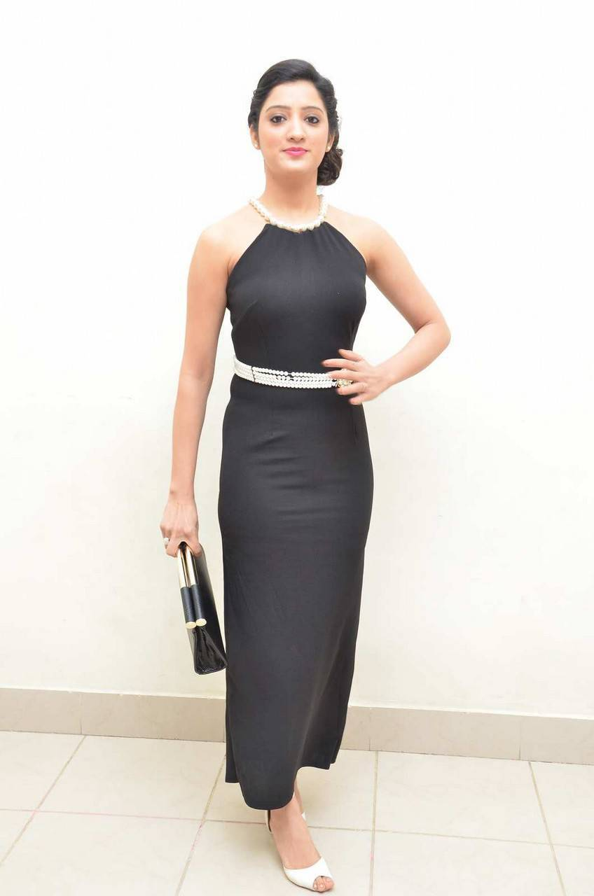 South Indian Actress Richa Panai Images At Movie Audio Launch In Black Dress