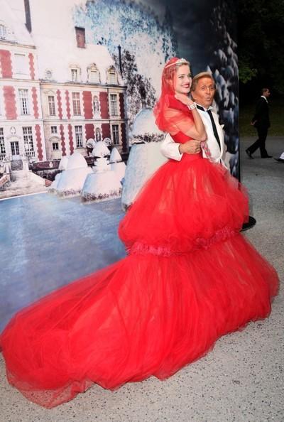 5fd676102d0 LoveLabels  White Fairy Tale Love Ball
