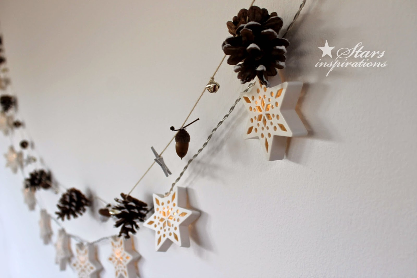 http://starsinspirations.blogspot.com/2014/12/2014-christmas-decorations-garland.html