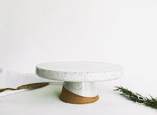 blanc pottery cake stand