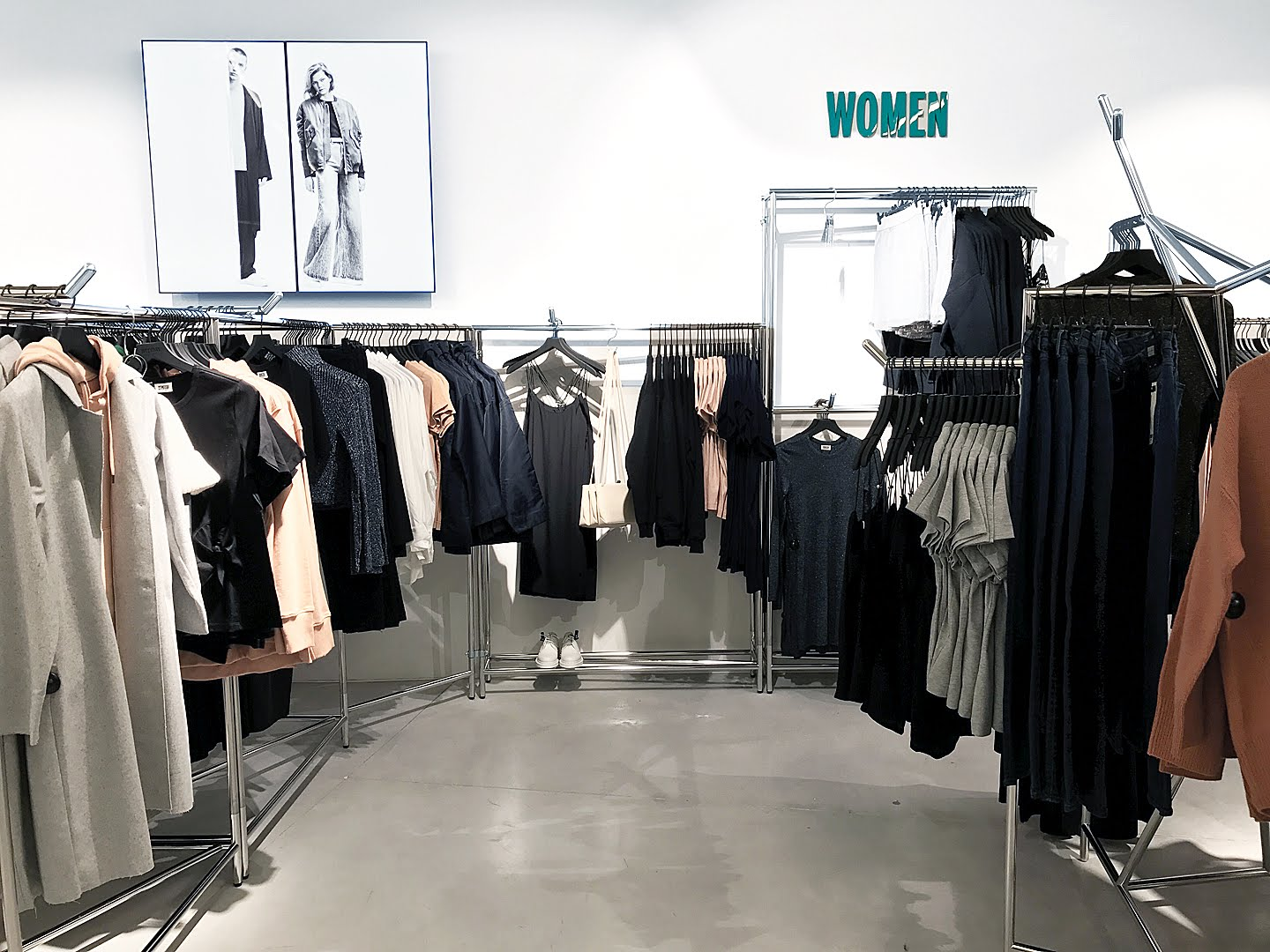 Weekday, antwerp, kammenstraat, opening, interior