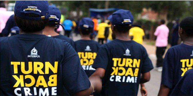 """Warga Sipil yang Pakai kaos """"Turn Back Crime"""", Akan Dikenakan Sanksi Pidana"""