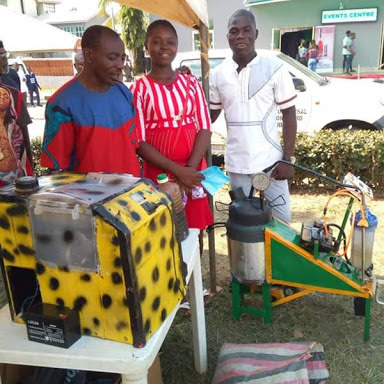 Talented Nigerian Fabricates Machine That Transforms Nylon To Petrol... Gets N250K From Governor