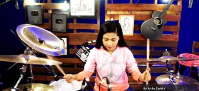 Nur Amira Syahhira - Durmer 15 Tahun asal Malaysia