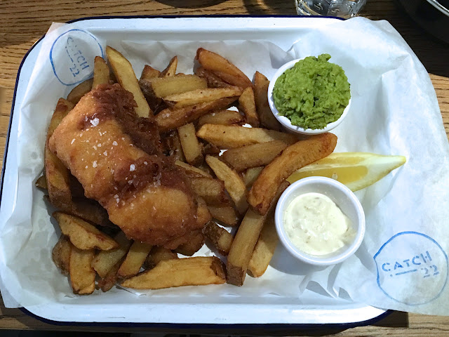 Fish and chips in Dublin - Catch 22