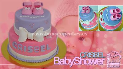 Tarta personalizada fondant modelado patucos peucos babyshower Laia's Cupcakes Puerto Sagunto