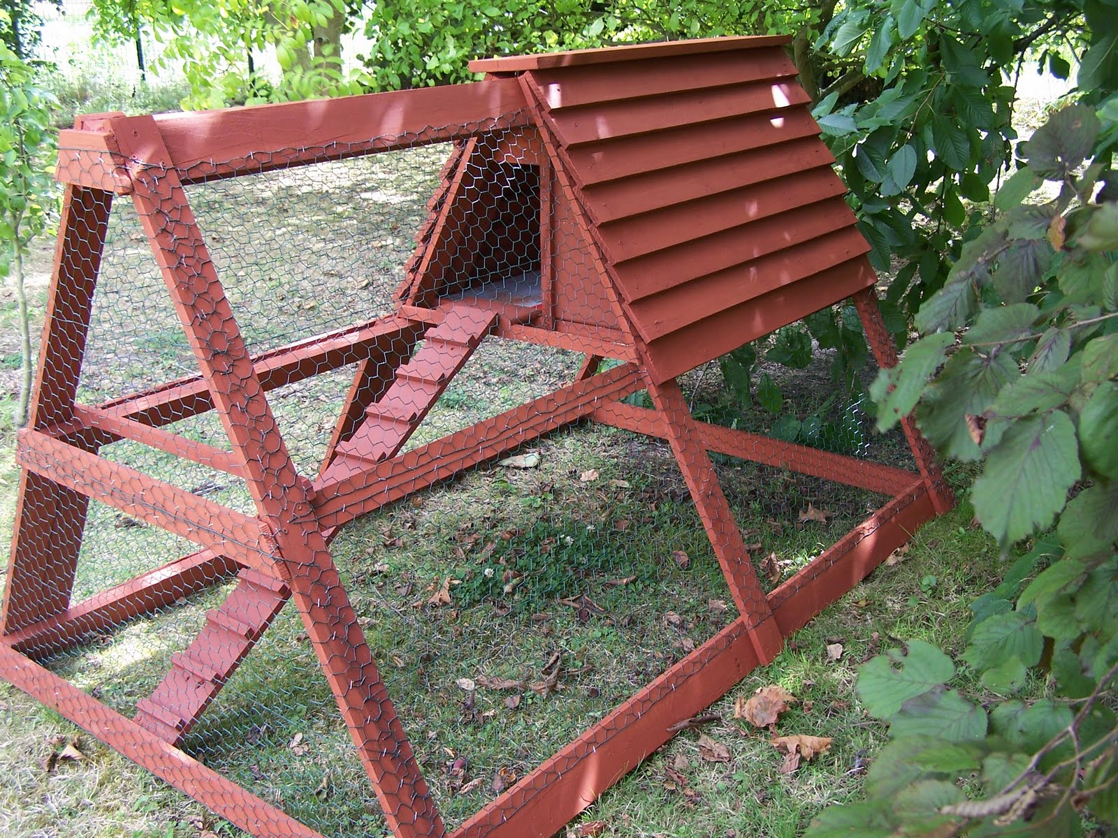 Faire Un Escalier Avec Des Palettes construction d'un poulailler avec des matériaux de récup