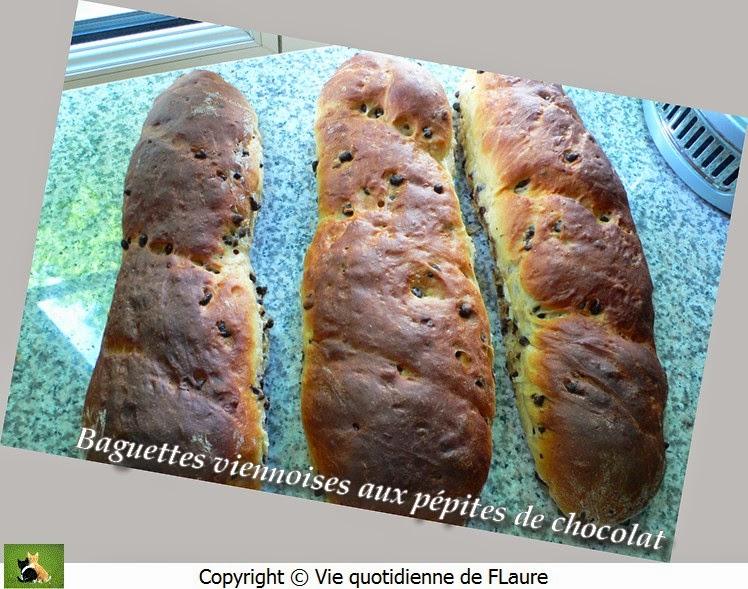 Vie quotidienne de FLaure: Baguettes viennoises aux pépites de chocolat