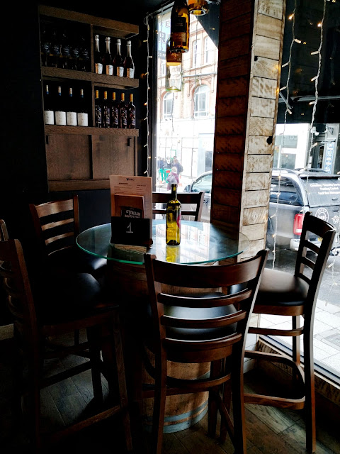 VEENO : THE ITALIAN WINE CAFE' , A GEM IN THE HEART OF CROYDON