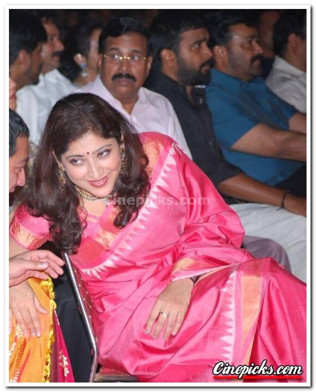 Divyaparameshwaran123: Lakshmi Gopalaswamy Hot Boobs