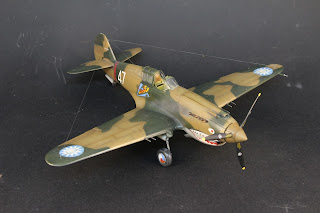 Photo finale du montage du Curtiss P-40B