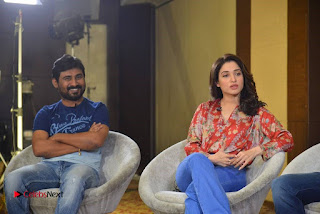 Vishal and Tamannah Stills at Okkadochadu Movie Press Meet  0009.jpg