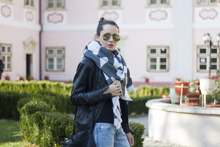 Star of the season, the over sized scarf Houndstooth Fringed Edge Shawl Wrap Scarf