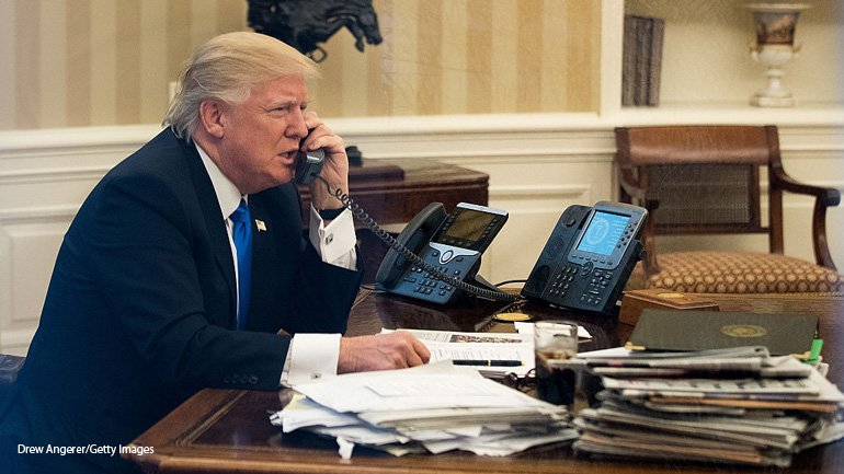 Trump 39 S Beautiful Oval Office Phones