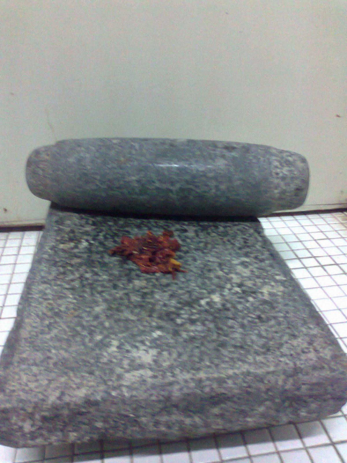 Batu Giling Yg Diwarisi Dari Emak