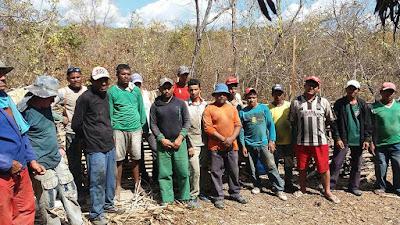 Trabalhadores escravos resgatados pela PRF, em Vargem Grande