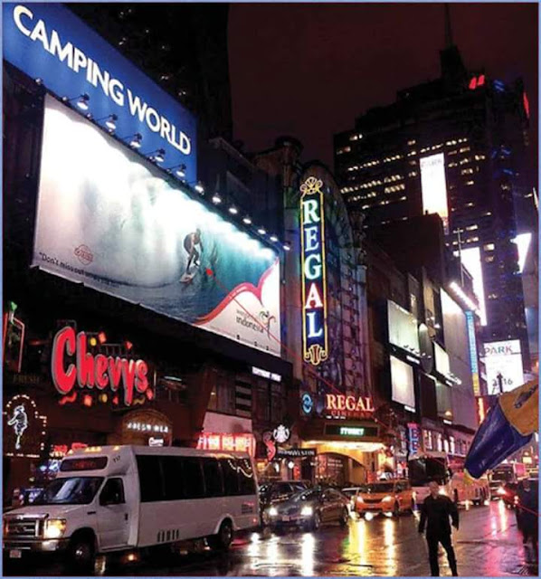 Pantai Plengkung alias G-Land dipromosikan di Time Square New York.