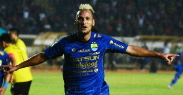 Maitimo Hattrick Persib Bandung vs Persegres Gresik 6-0