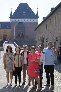 Fotografia dos participantes no Castelo Burgau
