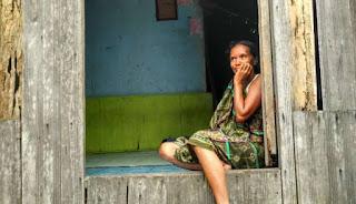 Sungguh Mengharukan! Di Desa Ini, Pulsa Rp 10 Ribu Harganya Rp 1 Juta Lebih!