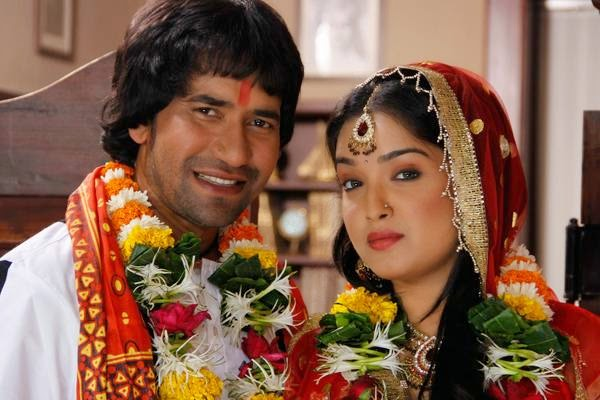 Bhojpuri movie actor Dinesh Lal Yadav salary, Income per movie, he is Highest Paid actor in 2015