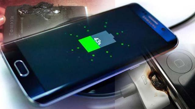 Pernah panik ketika smartphone tiba-tiba panas ? Ya, panas berlebih memang kerap terjadi pada ponsel. Terlebih jika smartphone digunakan secara berlebihan ditambahkan kualitas batrai yang buruk dan casing handphone yang terlampau tebal.