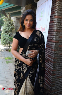 Actress Neetu Chandra Stills in Black Saree at Designer Sandhya Singh's Store Launch  0012.jpg