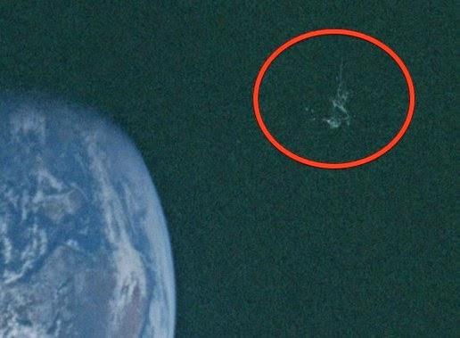 Black Knight Satellite Found In NASA Apollo 10 Photo | UFO ...