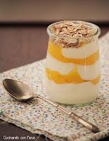 Yogur con muesli y lemon curd