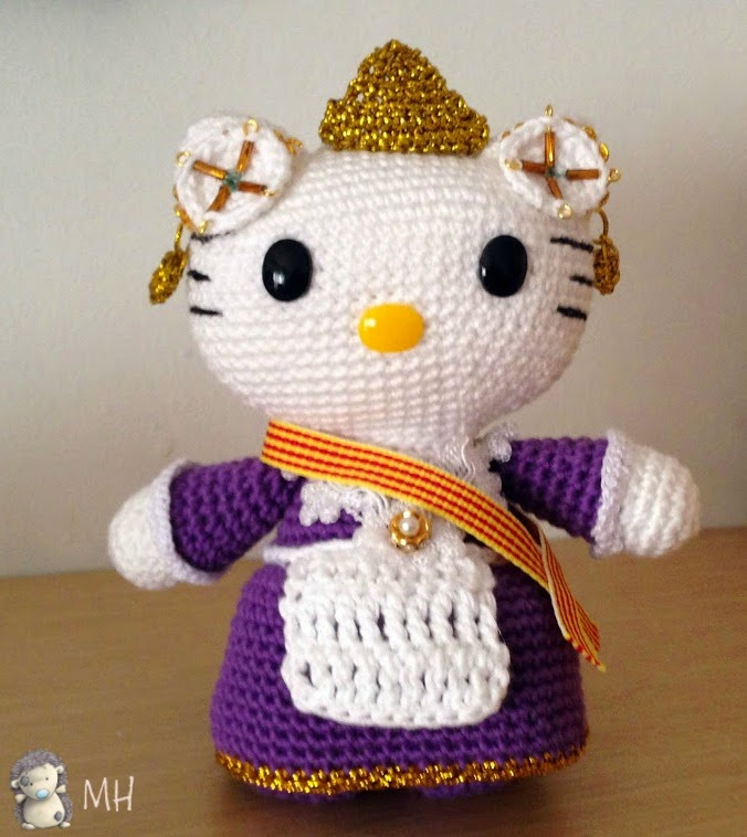 Hello Kitty Fallera amigurumi