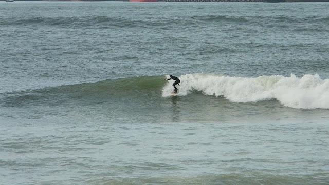 surf en el puerto viejo algorta jefris 11