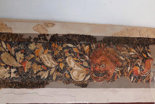 Mozaika z motywem liści winorośli masek teatralnych Muzeum Delos Grecja